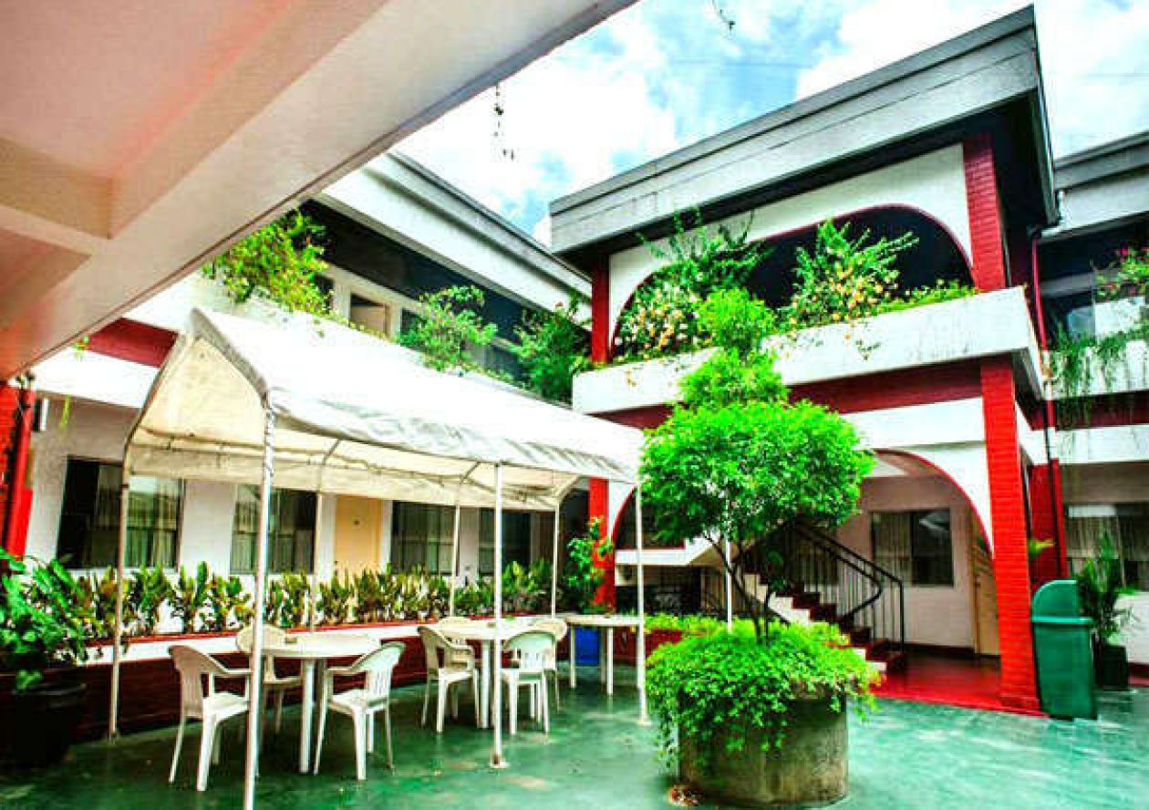 vacation rentals in Manila
